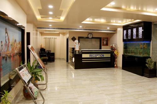 OYO Premium DLW Varanasi