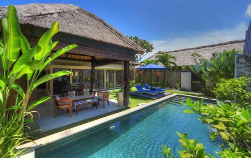 Seminyak five star hotels for Bali indonesia hotels 5 star