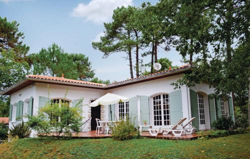 Holiday Home Allee Des Chenes