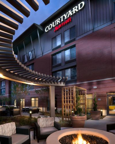 Courtyard By Marriott Charleston Summerville Usa Deals