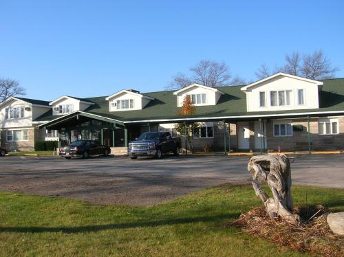 Camp Inn Lodge