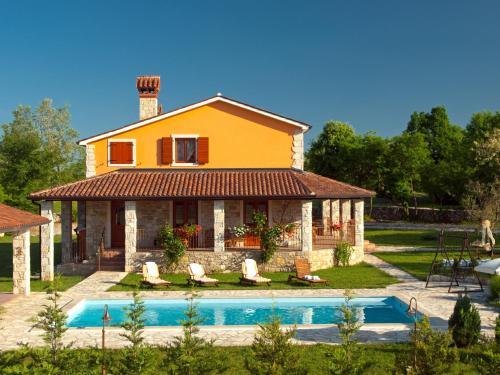Villa Bacio 660