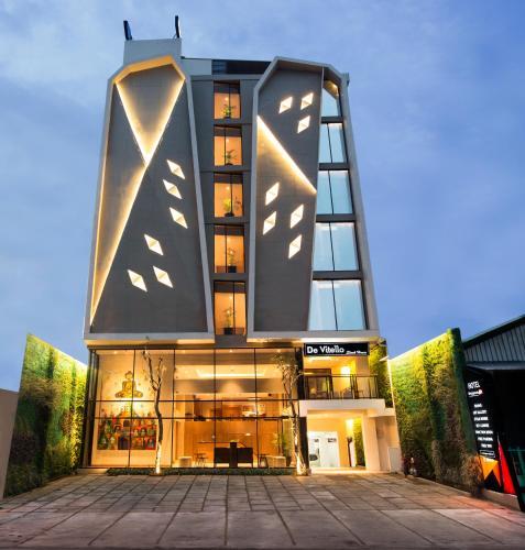 Hotel Tentrem Yogyakarta Closed: Yellow Star Ambarukmo Hotel, Yogyakarta, Indonesia