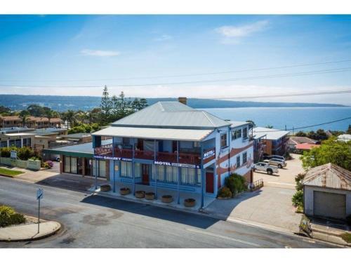 Heritage House Motel & Units