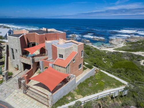 Hermanus Right-on-the-Beach House