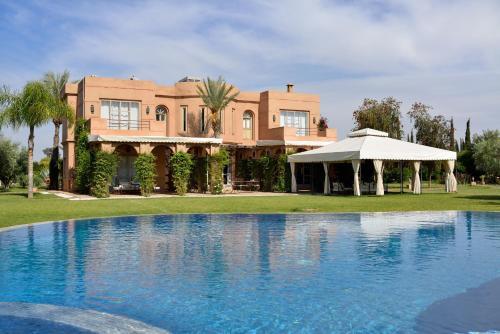 Villa Dinari