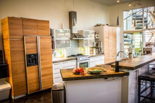 9th Street Modern Luxury Home