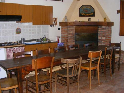 A kitchen or kitchenette at Agriturismo Podere dell' Olmo