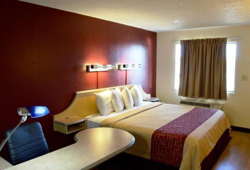 Red Roof Inn San Antonio - Lackland