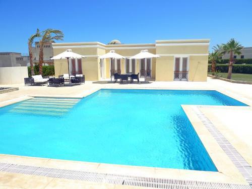 Hill villa 114
