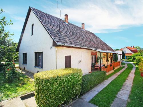 Holiday Home Balaton H2044
