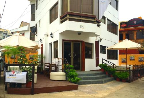 Travel International Hostel Café