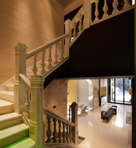 boutique hotels in valencia community  138