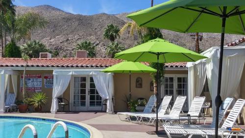 La Dolce Vita Resort & Spa - A Gay Men's Clothing Optional Resort