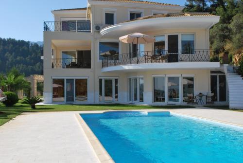 Le Soleil Apartments