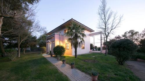 Holiday home Casa La Rad, Spain - Booking.com