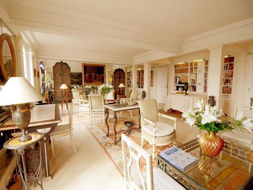 Apartment Tuileries Garden