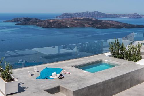 Villa Irini Fira S Only