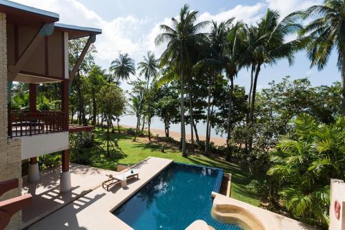 Amatapura Beachfront Villa 15