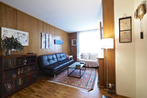 gran via borrell flat barcelona spain deals