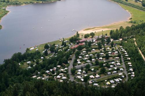 Ferienpark Perlsee Ferienhäuser, Camping, Mobilheime