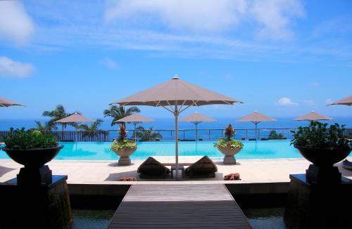 三卡拉羅久島Spa酒店
