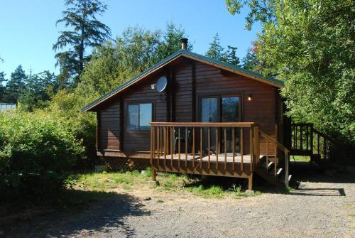 La Conner Camping Resort Beach Cabin 1