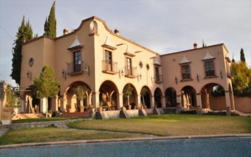 Casa De Los Arcos