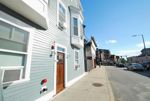 Quarters on DOT by Short Term Rentals Boston