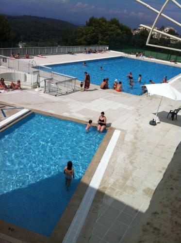 15 mins. from Cannes with swimming pool
