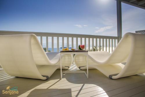 A balcony or terrace at Santana Beach