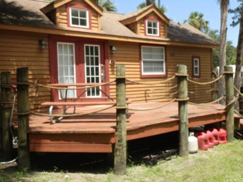 Crystal Isles Cabin 4