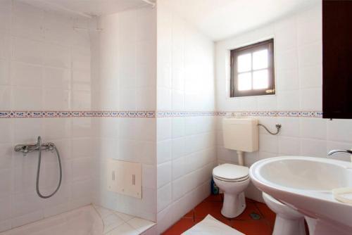 A bathroom at Moinho da Camila