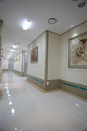 The lobby or reception area at Easy Guesthouse