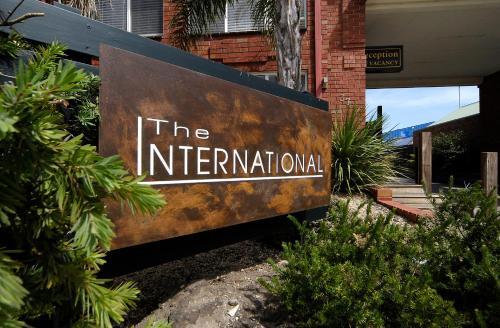 Comfort Inn The International