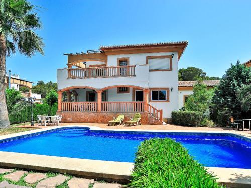 Villa Remol 2