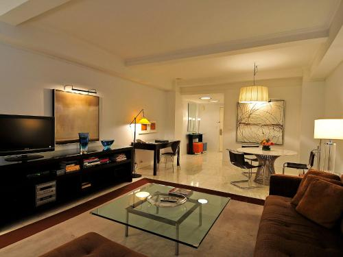 Manhattan Residence 4