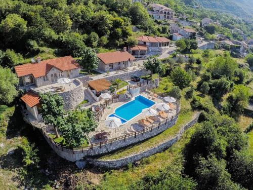 Luxury Villas Lapcici