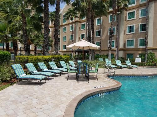 Hawthorn Suites by Wyndham Lake Buena Vista, a staySky Hotel & Resort