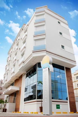馬德羅港酒店