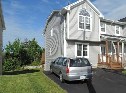 3 Bedroom Semidetached Home