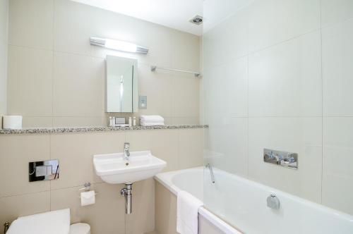 A bathroom at Native London Bridge