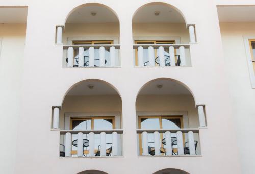 Hotel Rainha D. Amélia, Arts & Leisure
