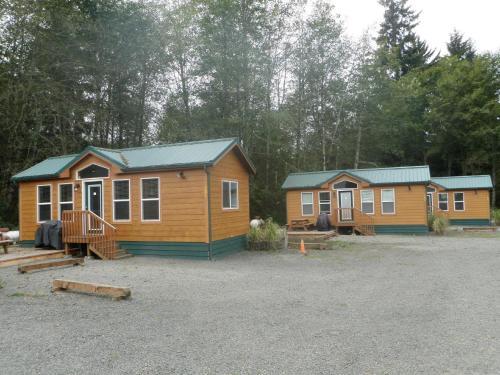 Seaside Camping Resort Cottage 9