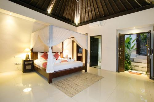 A room at Lotus Villa Ubud