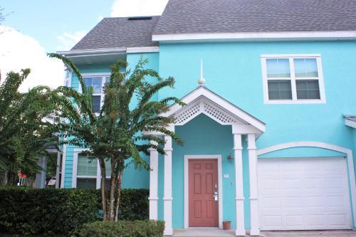 Runaway Beach Club Villa
