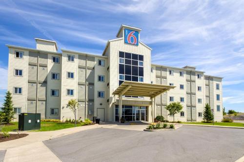 Motel 6 Kingston Ontario