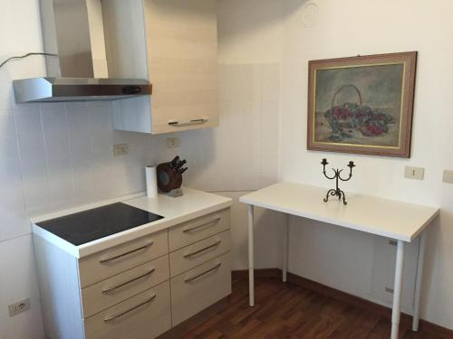 A kitchen or kitchenette at Casa Dondini