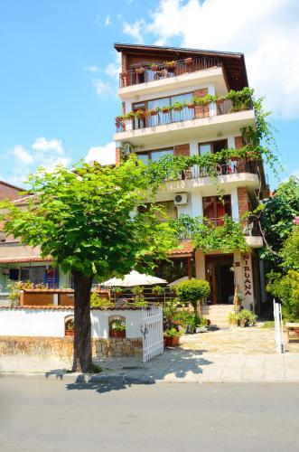 Къща за гости Гости Нирвана - Несебър