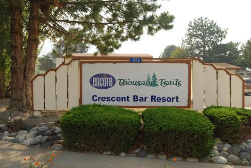 Crescent Bar Camping Resort Cottage 4